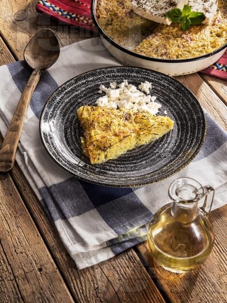 Вкусен традиционен (класически) родопски пататник на фурна - снимка на рецептата